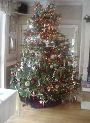 Notchland Inn's Christmas Tree - Photo by Emily Duffy