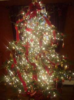 Riverbend Inn's Christmas Tree - Photo by Emily Duffy